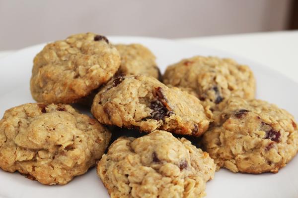 Oatmeal Raisin & Date Cookies